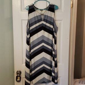 Chevron Pattern Blue and White Midi Dress